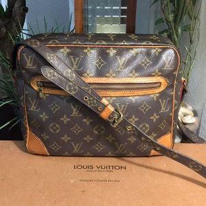 Authentic Louis Vuitton Potomac Shoulder bag